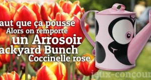L'arroseur arrosé gagnera l'arrosoir Backyard Bunch Coccinelle rose