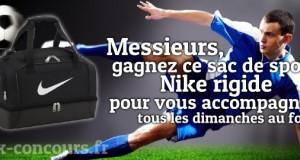 Sac de sport Nike rigide en jeu